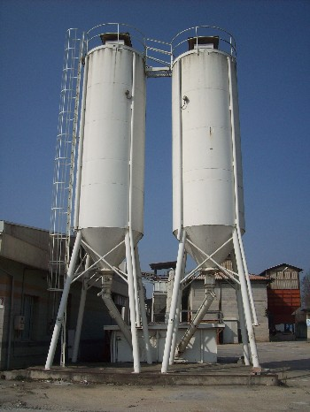 SILOS DIAMETRO 2.500 mm CAPACITA' 30-32 MC - USATO